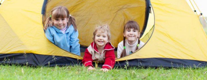 Campingurlaub zu Hause mit Kindern