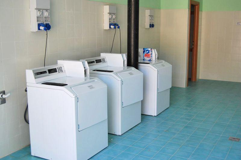 Waschmaschinen auf dem Campingplatz